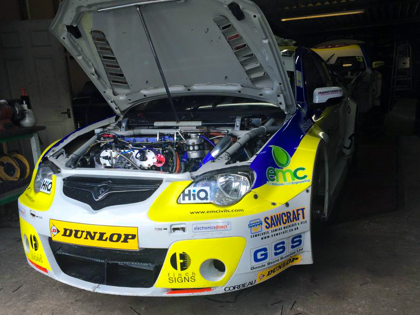 A long day with a BTCC touring car team at Welch Motorsport